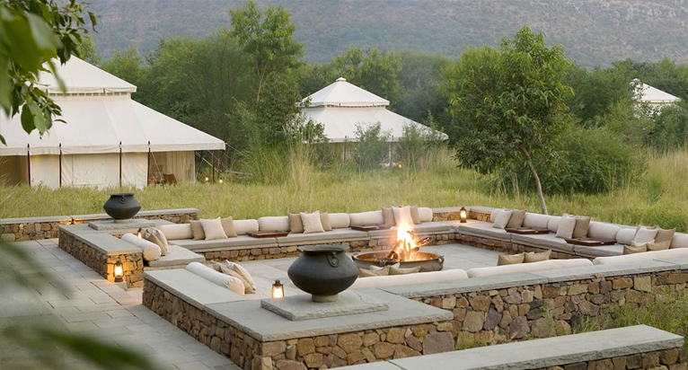 An alignment of pure white luxury tents outside Ranthambore National Park marks the identity of Aman-i-Khas 5 star resort. Comfort starts to follow you once ... & Top 5 Star Hotels to Stay in Ranthambore National Park