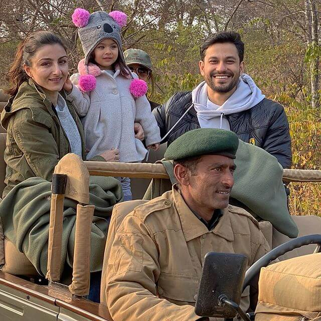 Kunal Khemu with Daughter